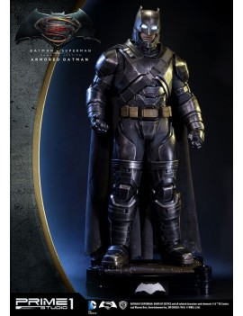Batman v Superman Dawn of Justice 1/2 Statue Armored Batman 109 cm
