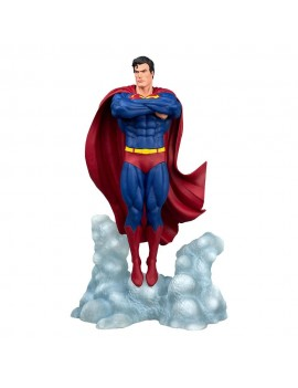 DC Comic Gallery PVC Statue Superman Ascendant 25 cm