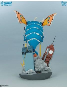 Unruly Kaiju Series PVC Statue Invasion of BeheMOTH! 20 cm