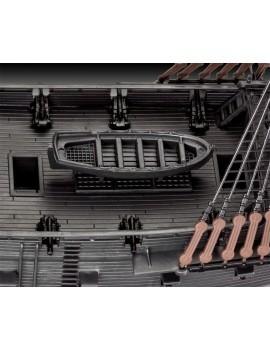 Pirates of the Caribbean Dead Men Tell No Tales Easy-Click Model Kit 1/150 Black Pearl 26 cm