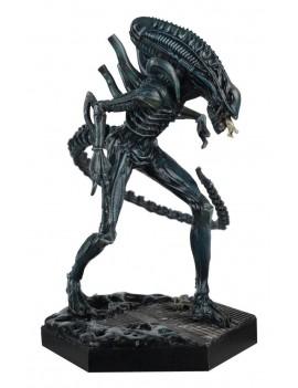 The Alien & Predator Figurine Collection Xenomorph Warrior (Aliens) 14 cm